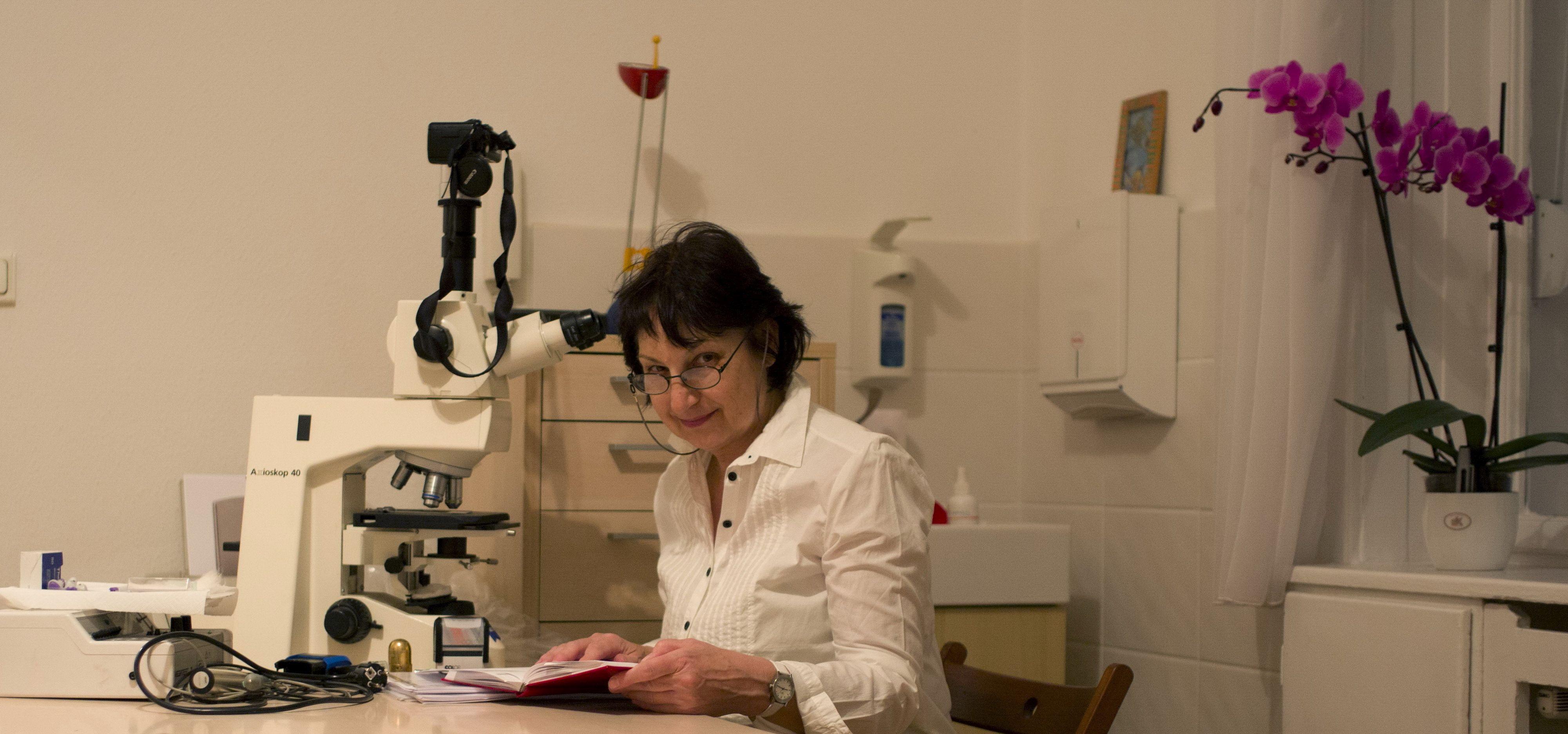 Dr. László Mária
